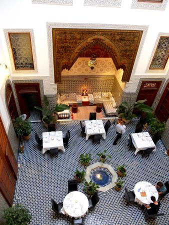 Dar Roumana: Inside the restaurant
