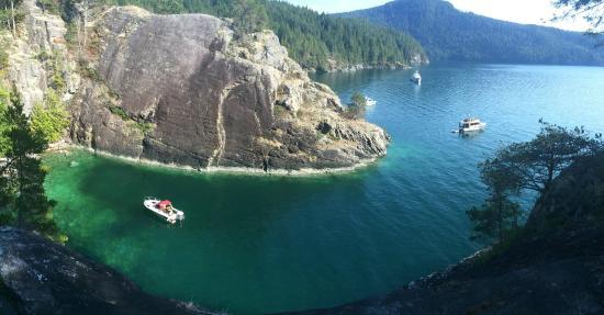 Powell River Sea Kayak: teakerne arm