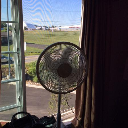Solstice: The fan that was supposed to cool the room