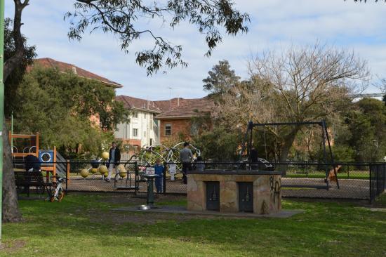 Lumley Gardens