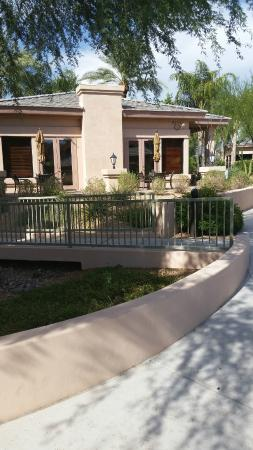 Scottsdale Links Resort: Clubhouse/Guest Check-in area