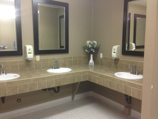Premier RV Resort of Lincoln City Oregon: Washroom facilities are excellent