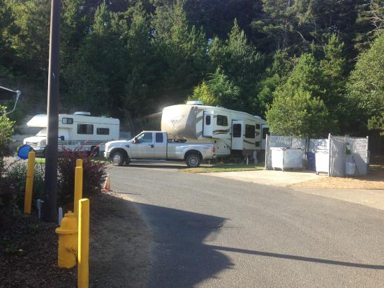 Premier RV Resort of Lincoln City Oregon : Spaces are a bit tight and parking is a premium