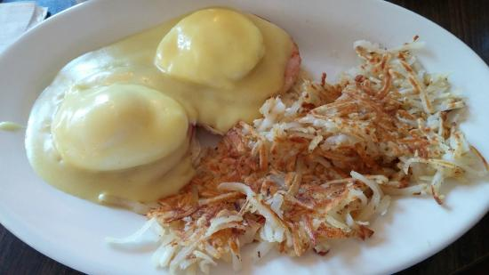 Shirley's Restaurant: Shirley's Eggs Benedict