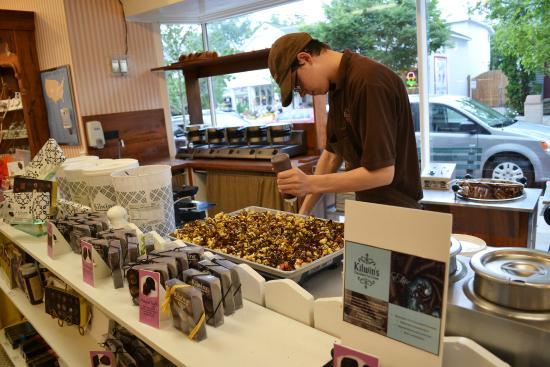 Kilwins Chocolates : Delicious looking caramel corn