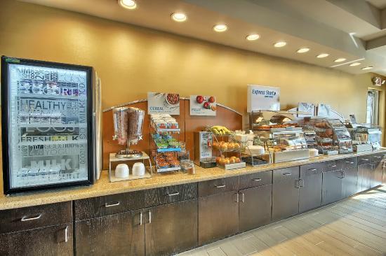 New Martinsville, WV: Breakfast Bar