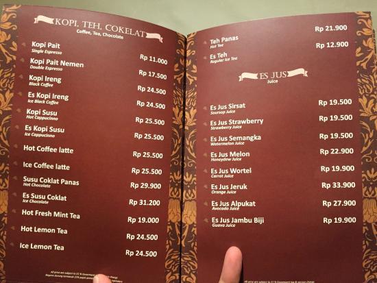 Buku menu tersedia di kamar, menu nya sangat banyak dan sangat bervariasi. Harga bervariasi.