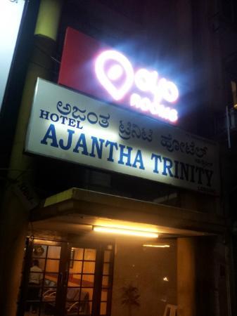 OYO 649 Hotel Ajantha Trinity Inn: Room Board