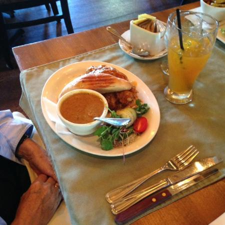 Courtenay, Kanada: pulled pork with creamed vegetable soup