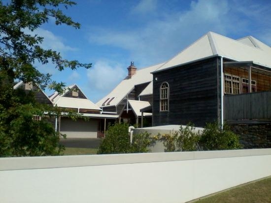 Orua Bay Beach Motor Camp U0026 Accommodation: Owner Of The Campsiteu0027s House