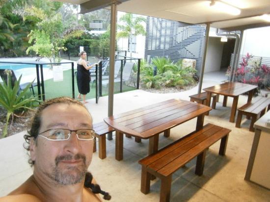 Espace Barbecue la piscine lagon et l'espace barbecue du beach club - picture of
