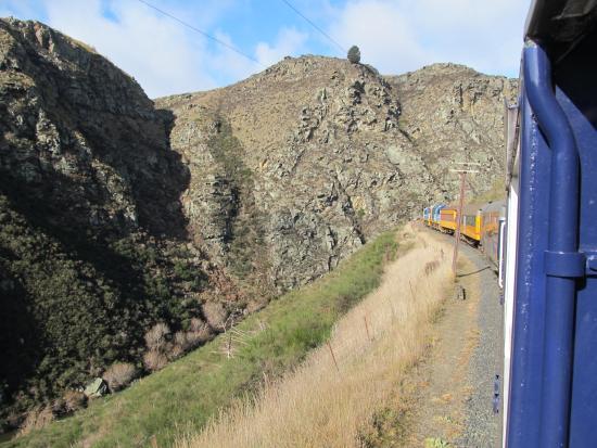 Taieri Gorge Railway: Through the hills