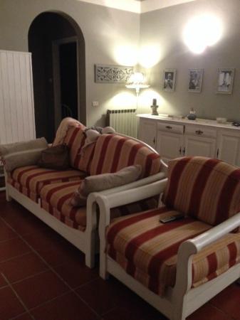 divani in soggiorno - Picture of Borgo Zelata, Zelata - TripAdvisor