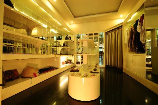 Romance Hotel: Shop
