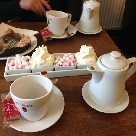 Leopold's Belgian Chocolates & Coffee House: Hot Chocolate