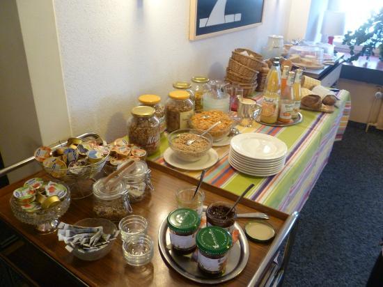 Hotel Bambi : breakfast buffet