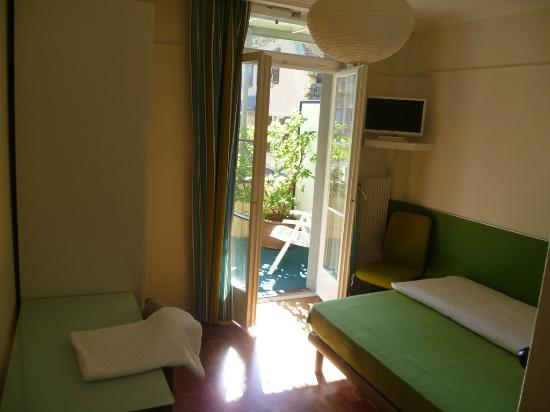 Hotel Bambi: Room with balcony on the second floor