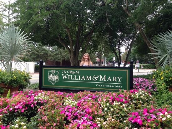 The College of William and Mary : photo0.jpg