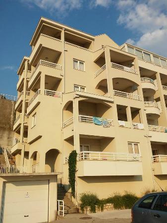 Apartments Agava