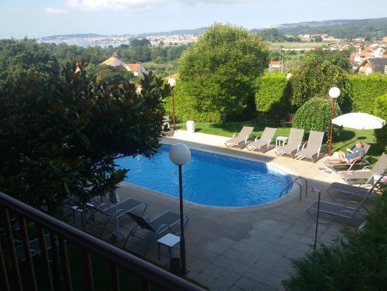 """Lombina Hotel: Fotografía desde la terraza de """"habitación con vistas"""" (orientación a la piscina y al mar)"""