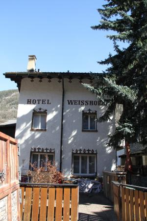 Hotel Weisshorn: Side view