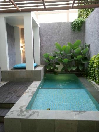 Private plunge pool picture of mercure bali legian for Pool show perth 2015