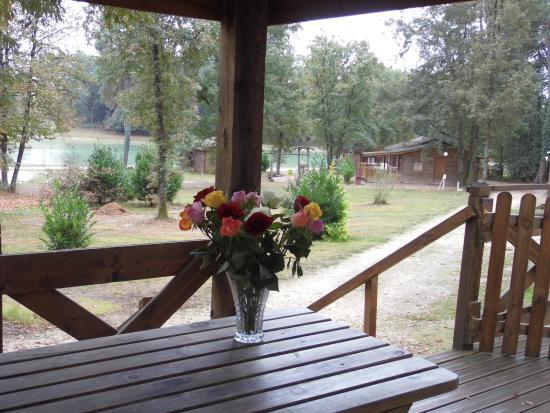 Camping d'Orpheo Negro : terrasse du mobil home