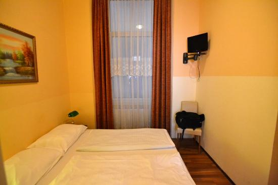 Hotel Pension Schottentor: The double room