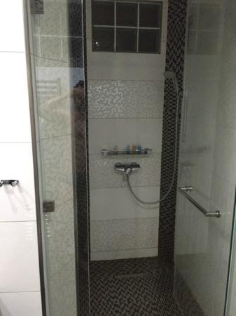 Hotel Tony: doccia