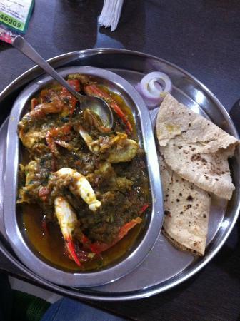 Maachh Bhaat: Crab masala with chapatis