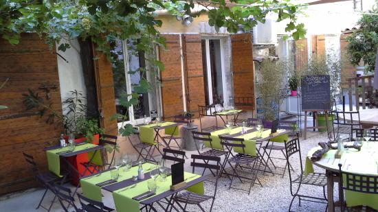 Au jardin des carmes avignon restaurant bewertungen for Au jardin les amis menu