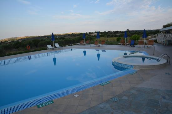 Trapezaki Bay Hotel: a pool to die for