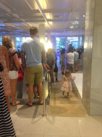 FERGUS Style Pollensa Park SPA: queue at main bar most nights all night