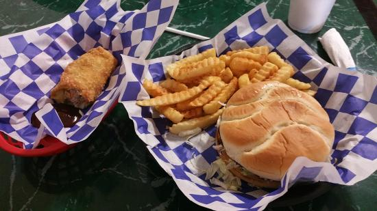 Ripley, TN: Redneck Egg Roll and Burger & Fries