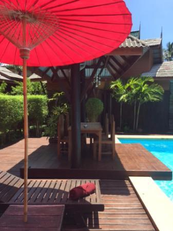 Paragon Spa Resort: Swimming pool area