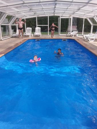 Piscine couverte picture of camping le fanal isigny sur for Camping normandie piscine couverte