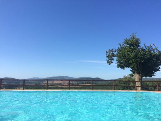 der Pool des Il Convento di Monte Pozzali