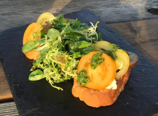 Gilling East, UK: Bruschetta
