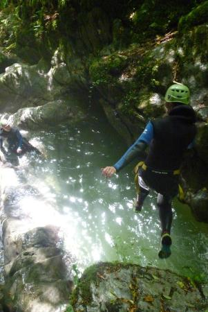 Grimpe et Eaux : Canyoning, escalade et via ferrata