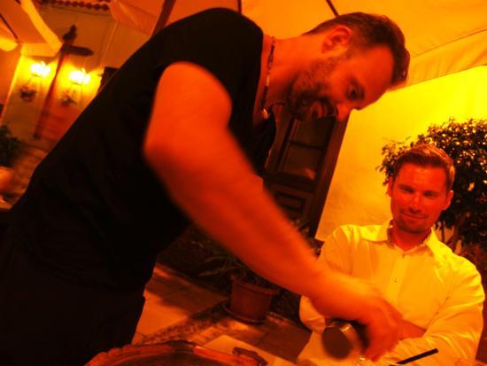 Casa Mika: The Italian waiter