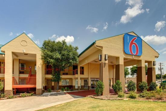 Photo of BEST WESTERN Cooper Inn & Suites Arlington