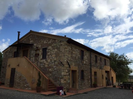 La Credenza Di Picasso Livorno : Casa vacanze villetta dino hotel vada toscana prezzi e