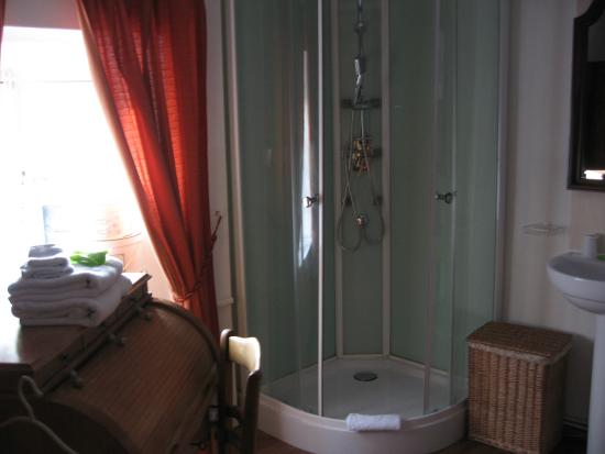 Moulin de Moxhe: and even a writing desk in the dressing/shower room!