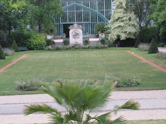 spacious grounds and leafy corners picture of jardin des serres d 39 auteuil paris tripadvisor. Black Bedroom Furniture Sets. Home Design Ideas