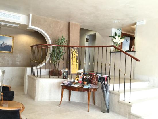 Palazzo del Giglio: Recepcion