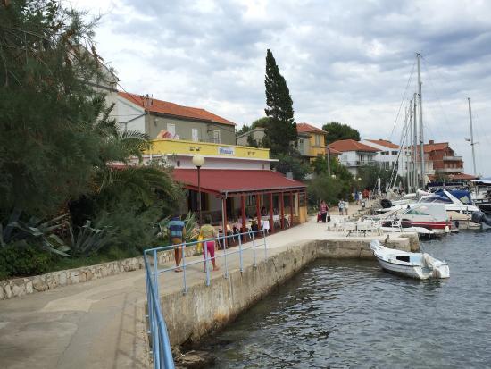Bozava, Chorwacja: Restaurant