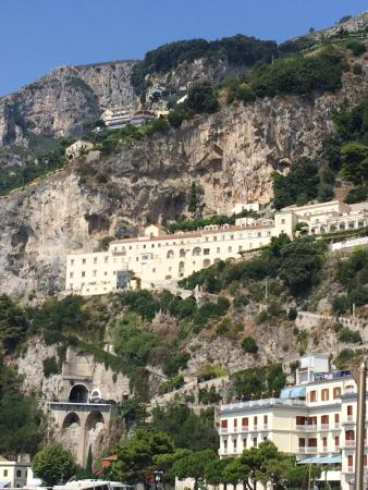 Hotel from city center picture of nh collection grand for Convento di amalfi