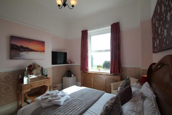 Victoria Mount Guest House: Luxury double room with sea view