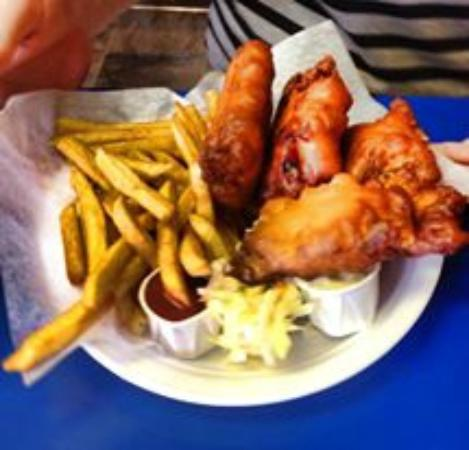 Ed's Take Out & Christina's: Fish n Chips