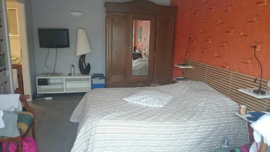 chambres d 39 hotes la rochelle la rochelle frankrijk foto 39 s reviews en prijsvergelijking. Black Bedroom Furniture Sets. Home Design Ideas